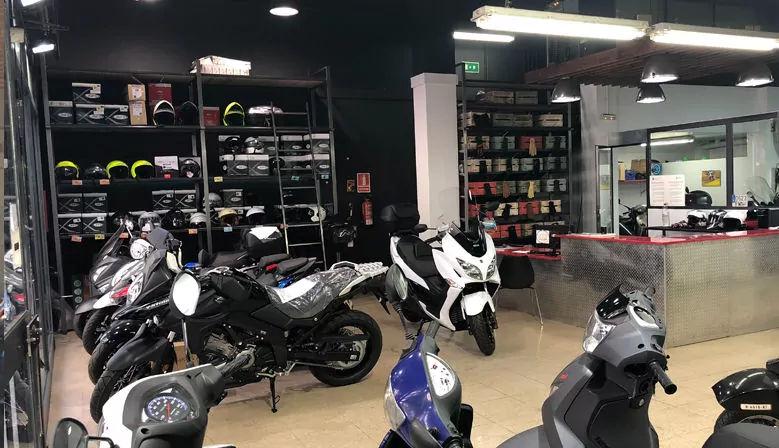 Taller de moto Motoscooter ubicado en Les corts